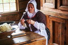 Tolles Reiseziel im Herbst: Village Historique Acadien Caraquet http://www.travelworldonline.de/traveller/village-historique-acadien-caraquet-renaissance-der-akadier/?utm_content=buffer0f912&utm_medium=social&utm_source=pinterest.com&utm_campaign=buffer ... #entdeckekanada #nbsummer