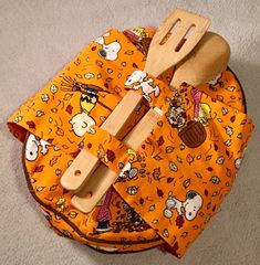 Hey, I found this really awesome Etsy listing at https://www.etsy.com/listing/493157629/snoopy-25-quart-casserole-carrier