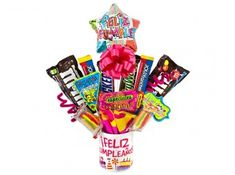 Anchetas de Cumpleaños en Medellín Candy Arrangements, Cute Presents, Birthday Candy, Chocolate Bouquet, Cactus Art, Candy Bouquet, Candy Store, Homemade Gifts, Diy And Crafts