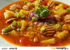 Gulášová polévka s párky a červenou čočkou recept - TopRecepty.cz Thai Red Curry, Chili, Menu, Treats, Ethnic Recipes, Soups, Menu Board Design, Sweet Like Candy, Goodies