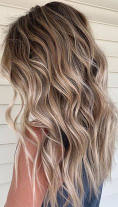 Blonde Hair Shades, Brown Hair With Blonde Highlights, Blonde Hair Looks, Hair Highlights, Dark Brown To Blonde Balayage, Summer Blonde Hair, Fall Blonde, Dark Blonde Hair, Hot Hair Colors