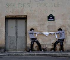 waaaat? | Nghệ thuật đường phố bởi Charles Leval | Design