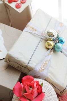 23 Most Creative Handmade Gift Ideas wrapping gift wrap Creative Gift Wrapping, Wrapping Ideas, Creative Gifts, Christmas Gift Wrapping, Diy Gifts, Holiday Gifts, Handmade Gifts, Gift Wrapping Clothes, Wrapping Gifts
