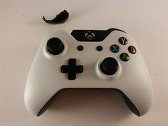 Xbox One Controller White - Broken Bumper - FREE SHIPPING! #Microsoft
