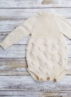 Hand knitted popcorn baby romper tlcrochetknitting on etsy Knitted Baby Clothes, Knitted Romper, Organic Baby Clothes, Baby Kids Clothes, Fall Clothes, Baby Knitting Patterns, Baby Patterns, Free Knitting, Crochet Patterns