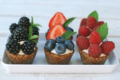 berry tarts, raw, vegan