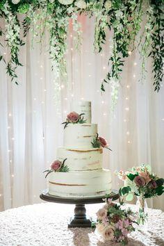 Photography : Carla Gates Photography Read More on SMP: http://www.stylemepretty.com/2016/02/12/elegant-romantic-atlanta-spring-wedding/