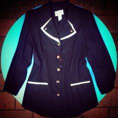 #Giacca strutturata #lunga #vintage, #bottoni #gioiello, dettagli bianchi sul collo e manica 40 euro!