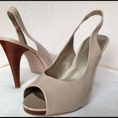 """Nude Patent Sling Back Heels by Nine West size 10 Gently worn nude patent sling back heels size 10 by Nine West heel at 4"""" Nine West Shoes Heels"""