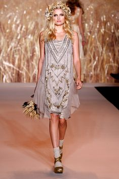 Anna Sui Spring 2011 Ready-to-Wear collection.