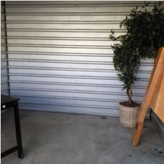 10x10. Headboard, Plant, Table, Misc Items. #StorageAuction in Memphis (123). Ends Mar 9, 2016 8:00AM America/Los_Angeles. Lien Sale.