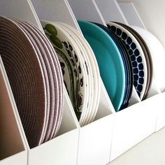 Kitchen Storage Hacks, Kitchen Organization Pantry, Home Organization, Kitchen Dinning Room, Kitchen Decor, Kitchen Cabinet Design, Kitchen Interior, Plate Storage, No Closet Solutions
