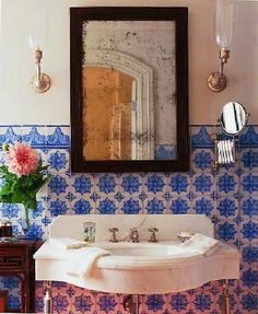 Lovely tiles in this super pretty bathroom via Topsy Turvy