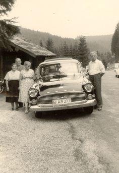 Der große Reisewagen: Der Opel Kapitän P 2,5. P steht für Panoramascheibe. Der Helmut aus Berlin und seine drei Damen auf großer Reise durch den Schwarzwald.  Flohmarktfund