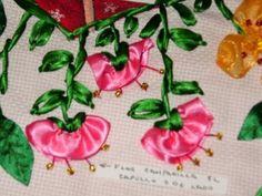 ▶ DIY Cómo hacer la flor de campanilla en capullo, bordando en listón. - YouTube