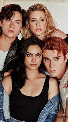 Fashion, wallpapers, quotes, celebrities and so much more – Netflix Movies – Best Movies on Netflix – New Movies on Netflix Riverdale Betty, Bughead Riverdale, Riverdale Funny, Riverdale Memes, Cast Of Riverdale, Cole M Sprouse, Dylan Sprouse, Betty Cooper, Riverdale Wallpaper Iphone