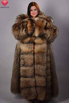 Ariel Winter in raccoon fur coat by Queens-Of-Fur