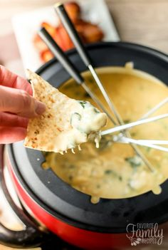 The Melting Pot's Spinach Artichoke Cheese Fondue is one of my favorite copycat recipes. Smooth, creamy melted cheese with spinach and artichokes that add incredible flavor! Fondue Recipe Melting Pot, Melting Pot Recipes, The Melting Pot, Fondue Restaurant, Chef Recipes, Copycat Recipes, Cooking Recipes, Recipies, Bouillon Recipe