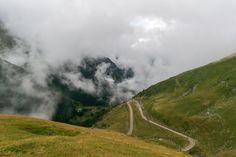 Carpathian Mountains, Mountain Pass, Photo Displays, Romania, Climbing, Travel Destinations, Universe, Country Roads, Pictures