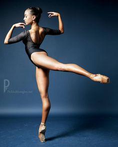"940 Likes, 13 Comments - Jolanda Kühne (@jolanda333) on Instagram: ""Just five days till christmas @pickledthoughts #ballet #ballerina #photoshooting #dance…"""