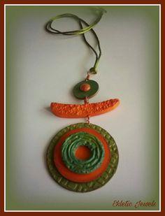 Guarda questo articolo nel mio negozio Etsy https://www.etsy.com/it/listing/482351355/handmade-rustic-and-ethnic-pendant