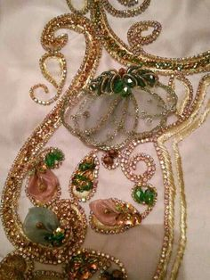 Hand Embroidery Designs, Beaded Embroidery, Embroidery Patterns, Gold Work, Panel Dress, Kaftans, Tambour, Lace Design, Blouse Designs