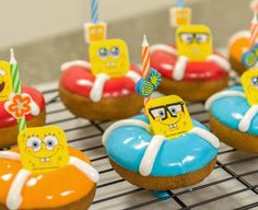 Step-by-step instructions for a quick and easy SpongeBob SquarePants-themed birthday treat.