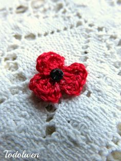 Hello my dear friends, I thought you might like to know how my tiny crochet poppies are made and since I love to share, I am sharing a li...