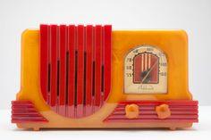 Rare Yellow + Red Catalin Addison 2C Art Deco Radio