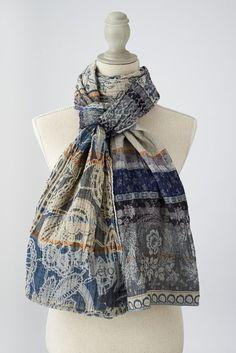 DENISE col 1 gris bleu. Doux mélange de dentelle et d'Indienne sorties de l'armoire de mamie Denise ! #denise #létol #letol #étole #bio #tissagejacquard #foulard #chèche
