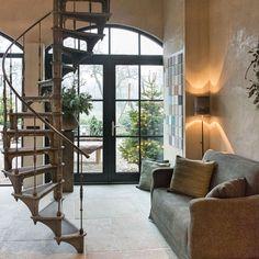 Escalier colimacon / Spiral staircase Paris #escalier #escaliercolimacon #spiralstairs #spiralstaircase #paris