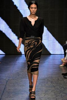 Donna Karan Spring 2015 Ready-to-Wear - Collection - Gallery - Look 33 - Style.com