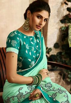 Green Saree, Designer Wear, Designer Sarees, Party Wear Sarees, Saree Styles, Embroidered Blouse, Indian Sarees, Saree Blouse, Blouse Designs