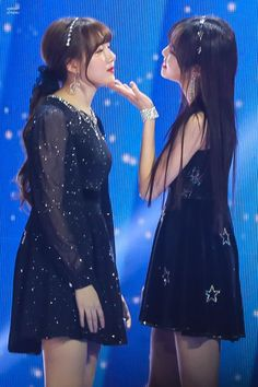 yerin and yuju shared by pokh on We Heart It Bubblegum Pop, South Korean Girls, Korean Girl Groups, Fandom, Cloud Dancer, G Friend, Stand By Me, Ultra Violet, Kpop Girls