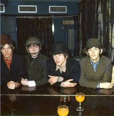 The British rock group 'The Small Faces' poses for a portrait in (L-R) Steve Marriott, Ronnie Lane, Kenney Jones, Ian McLagan. (Photo by Michael Ochs Archives/Getty Images) Kenney Jones, Ronnie Lane, Steve Marriott, Faces Band, The Ventures, Dad Rocks, Pork Pie Hat, British Rock, The Beach Boys