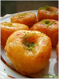 Hanım göbeği tatlısı tarifi - rumma Fun Desserts, Dessert Recipes, Turkish Sweets, Tandoori Masala, Greek Cooking, Turkish Recipes, Recipe For 4, Dough Recipe, Bon Appetit