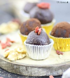 The Rawtarian: Raw chocolate truffles recipe