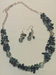 Blue stone chip necklace with glass bead accents.