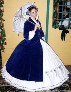 Thrifting for Victorian Garb, Introduction; tips from author Gail Carriiger on using thrift-store finds for steampunk costuming Edwardian Costumes, Period Costumes, Steampunk Clothing, Steampunk Outfits, Gail Carriger, Vintage Dance, Casual Cosplay, Victorian Steampunk, Costume Shop
