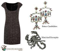 Look de festa com vestido tubinho grafite brilho com maxi colar candelabro e maxi anel escorpião.