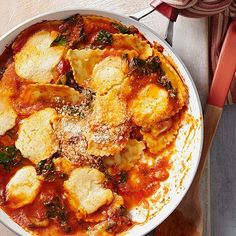 Lasagna in 25 minutes? With this easy skillet recipe, it's possible! To make this saucy, cheesy comfort food a little fresher, we stirred in 2 cups of fresh kale.