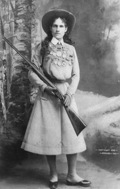 """How Annie Oakley, """"Princess of the West,"""" Preserved Her Ladylike Reputation 