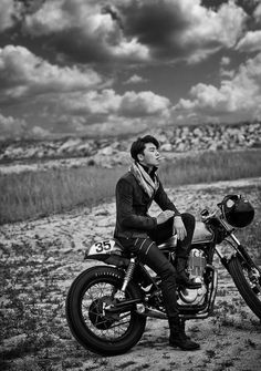 Wind Burned Eyes is a site for motorcyclists. It focuses on custom motorcycles, motorcycle gear, motorcycle industry news, and more. Park Seo Joon Abs, Joon Park, Park Seo Jun, Korean Star, Korean Men, Asian Men, Asian Actors, Korean Actors, Park Seo Joon Instagram
