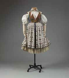 Folk costume, early 20th century, Czech.