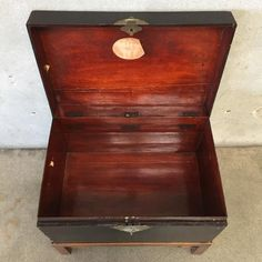 20 Trunk Stand Ideas Leather Trunk Trunks Trunk End Table