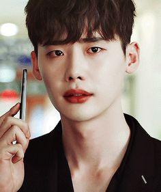 Do you see the pain in his eyes Thats how amazing Jong suk is in his acting actorjongsuk leejongsuk wewillwaitforyouleejongsuk kdrama koreanactor korean oppa jongsuk wtwoworlds Lee Jong Suk Cute, Lee Jung Suk, Suwon, Asian Actors, Korean Actors, Julie Lee, He Jin, Kang Chul, Han Hyo Joo