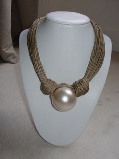collier+perle+et+lin+de+Poiesis+by+ENDC+sur+DaWanda.com
