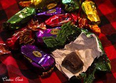 Frutas de Aragón ......un bocado del cielo..... Trozos de frutas deliciosas bañadas en chocolate.