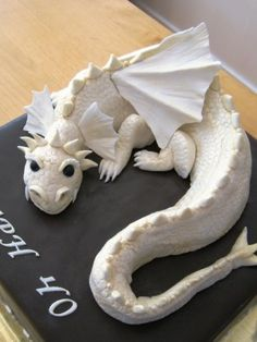 Dragon cake in pale gold and brown — 2010 Fairies and Dragons Cake Contest Dragon Birthday, Dragon Party, 40th Birthday, Fancy Cakes, Cute Cakes, Pink Cakes, Beautiful Cakes, Amazing Cakes, Fondant Cakes