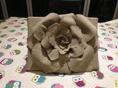 Hessian wall flower